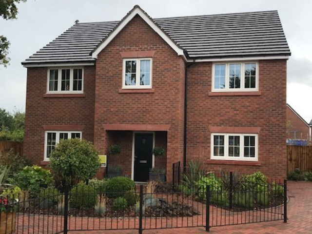 Avonside Worcester roofing project for Elan Homes Walcot Meadow site in Drakes Broughton